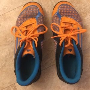 ~~adidas futsol shoes size 6~~